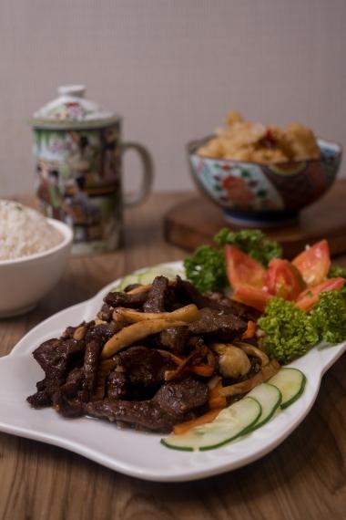 Sauteed Beef with Mushrooms